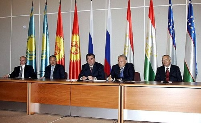 Passing on the authoritarian torch: power transition in Central Asia