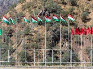 Застрявшая между недофинансированием, авторитаризмом правительства и коррупцией: система здравоохранения в Таджикистане и риски для населения